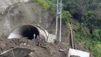Entérese de los bloqueos y derrumbes en la carretera a La Línea