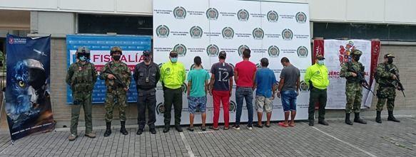 Cinco presuntos integrantes de 'Los Invasores' fueron asegurados en prisión