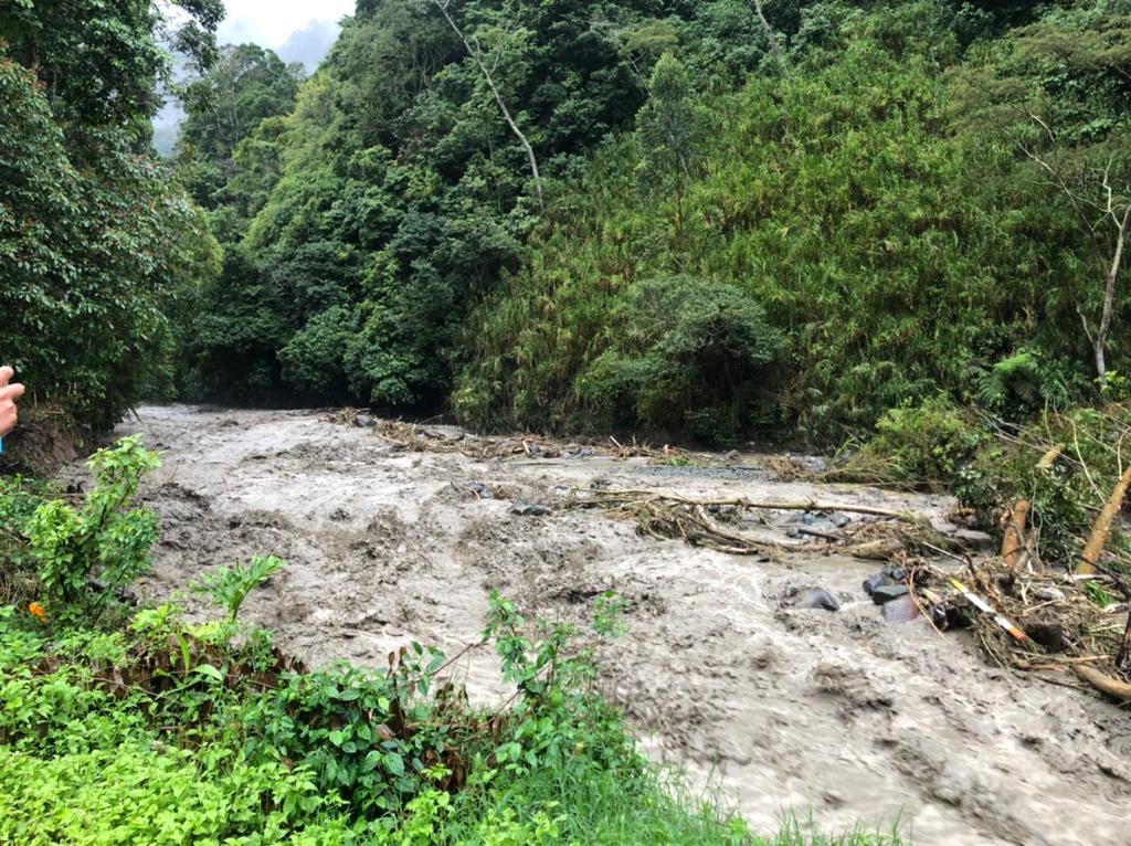 Alcaldía atiende varias emergencias por deslizamientos y crecientes de ríos en Ibagué