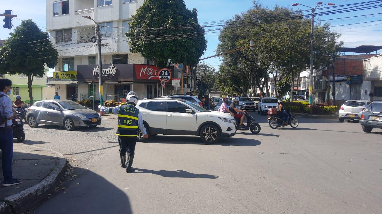 Agentes de Tránsito garantizan la movilidad durante manifestaciones en Ibagué