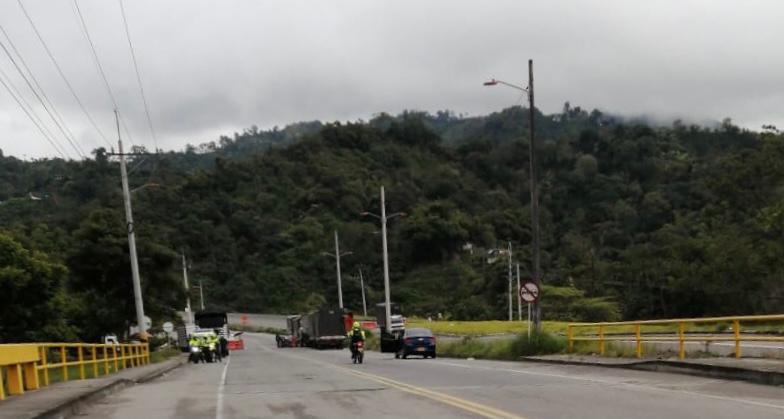 Atención: Estos son los cierres y bloqueos en las vías del Tolima este jueves