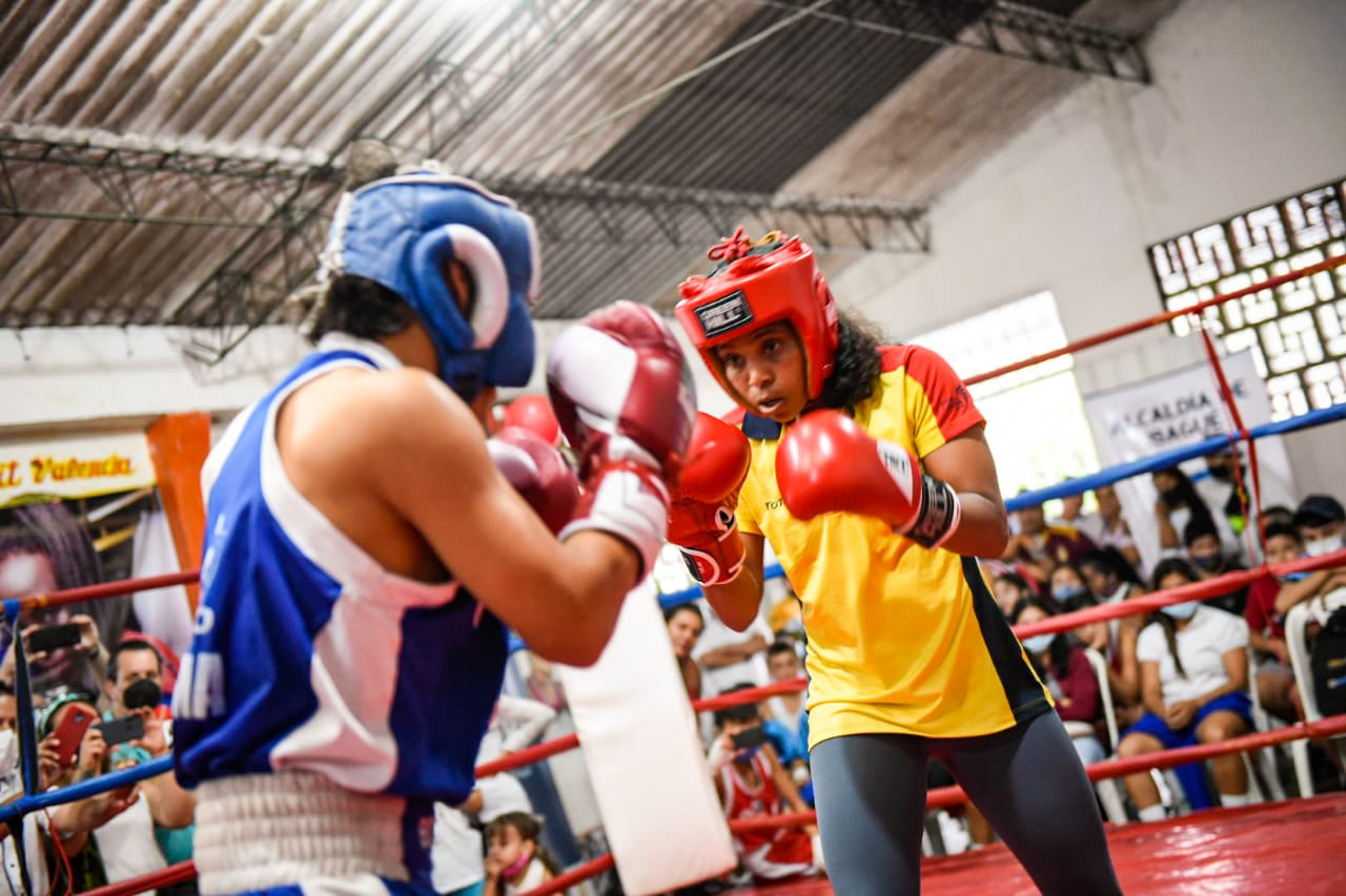 Más de 400 niños y jóvenes boxeadores recibieron implementación deportiva