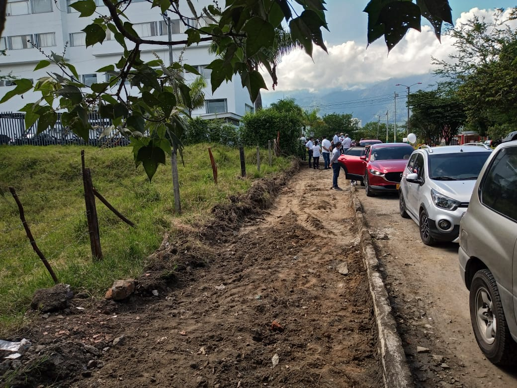 Alcaldía inició construcción de más de 7.000 metros cuadrados de andenes en Ibagué