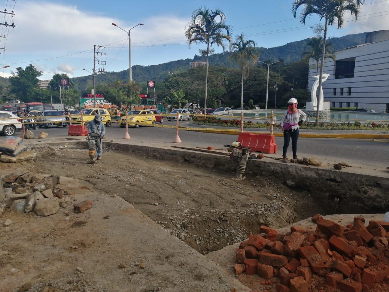 Ibal verifica conexión del alcantarillado en la Unidad Deportiva de la calle 42