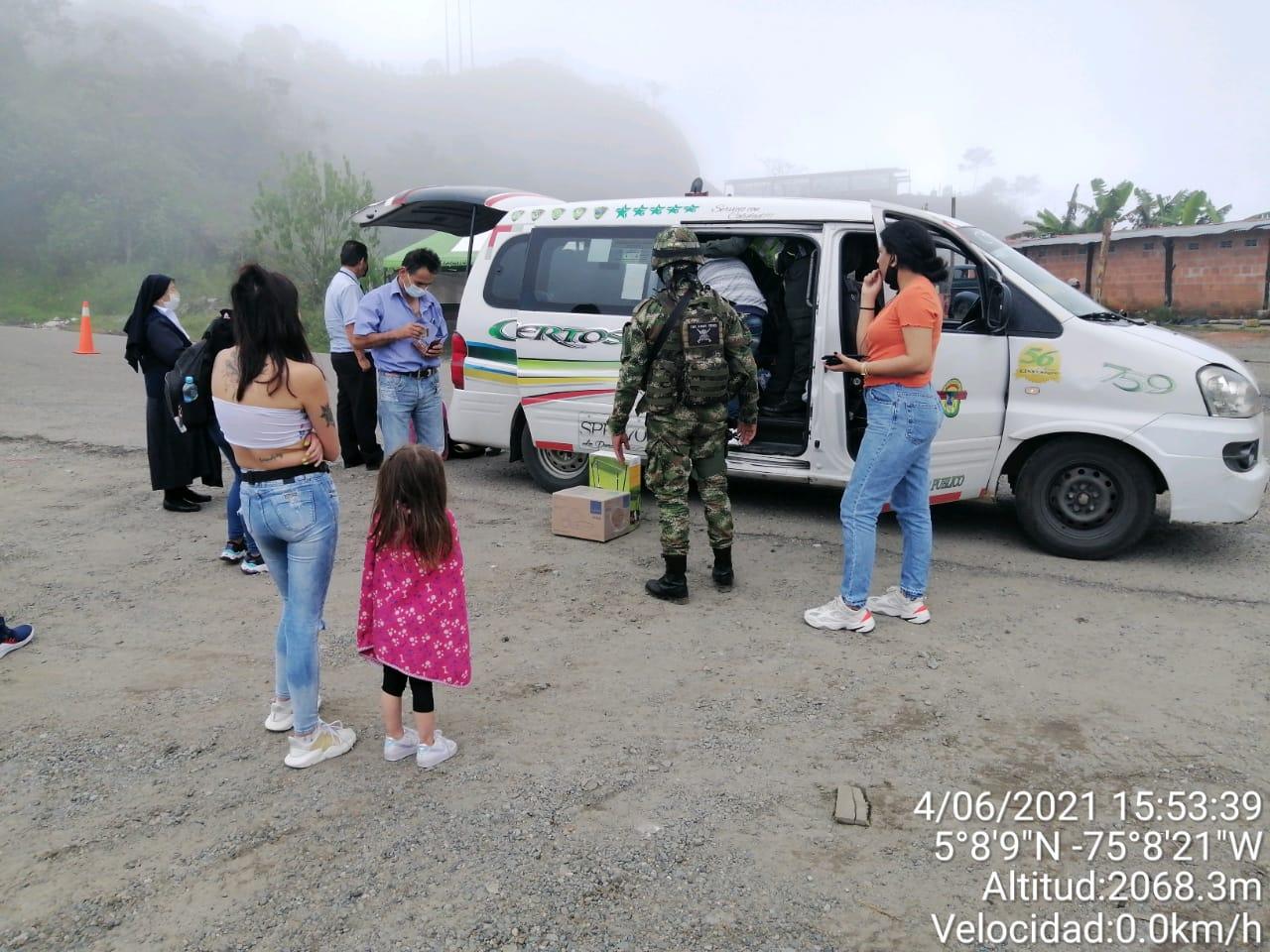 Tráfico de fauna silvestre: Cuatro loros murieron en una van de pasajeros