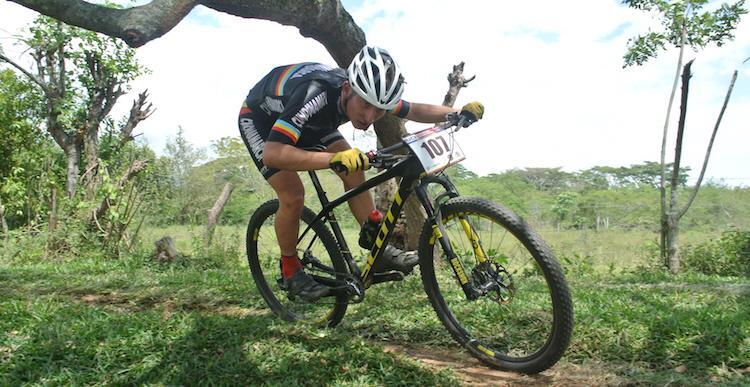 Los mejores ciclomontañistas del país compiten en Ibagué