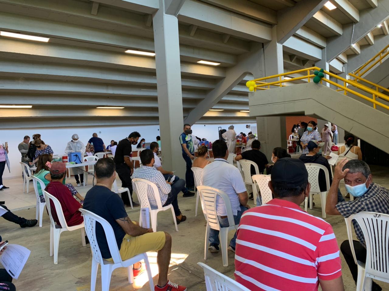 Inicia jornada de vacunación contra el Covid-19 en el estadio Manuel Murillo Toro