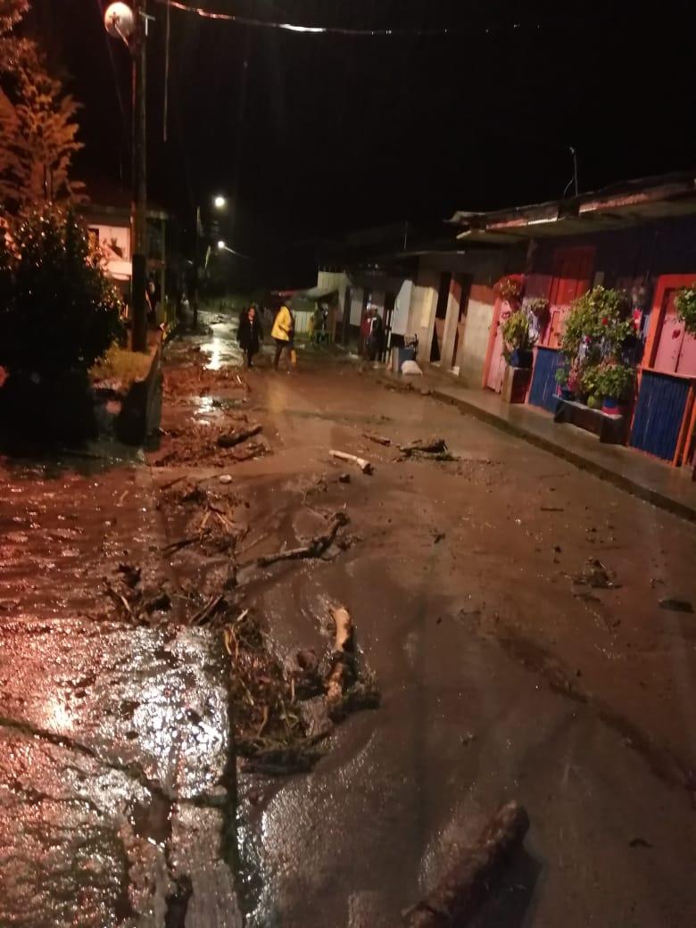 Autoridades monitorean creciente de la quebrada El Silencio en Toche