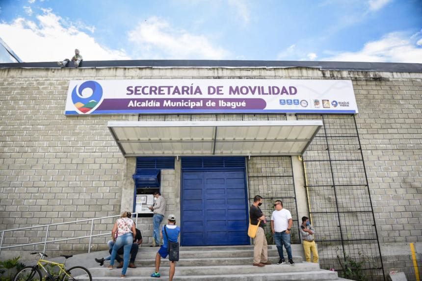 Intolerancia: Un hombre agredió a guarda de seguridad en la Secretaría de Movilidad