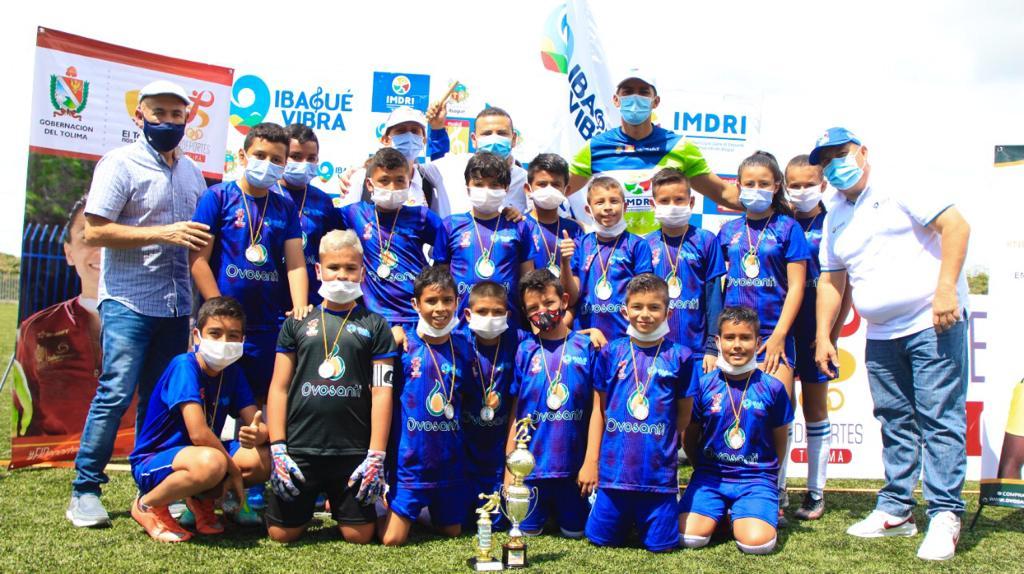 Más de 1.200 niños participaron en el Festival Interbarrios de Fútbol 'Ibagué Vibra'