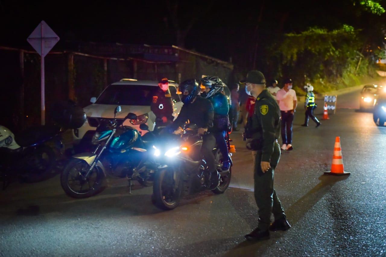 Inmovilizaron 17 motocicletas por incumplir restricción de parrillero en Ibagué