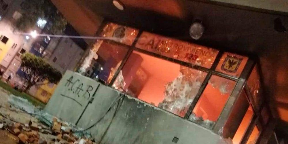 Judicializan a responsables de incendiar varios CAI y motos de la Policía