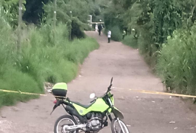 Asesinaron a un hombre que se movilizaba en una motocicleta