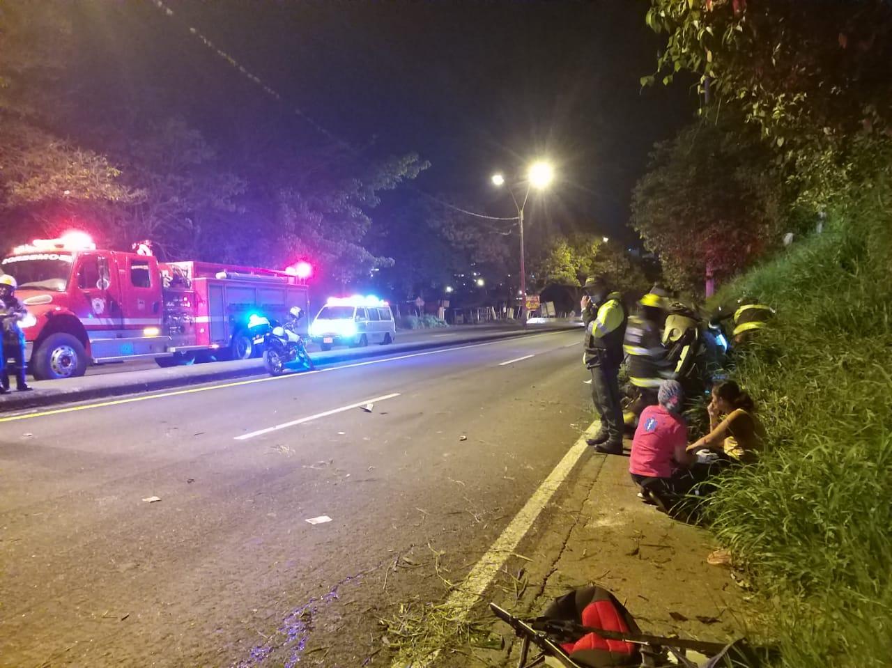Una mujer lesionada dejó volcamiento de camioneta